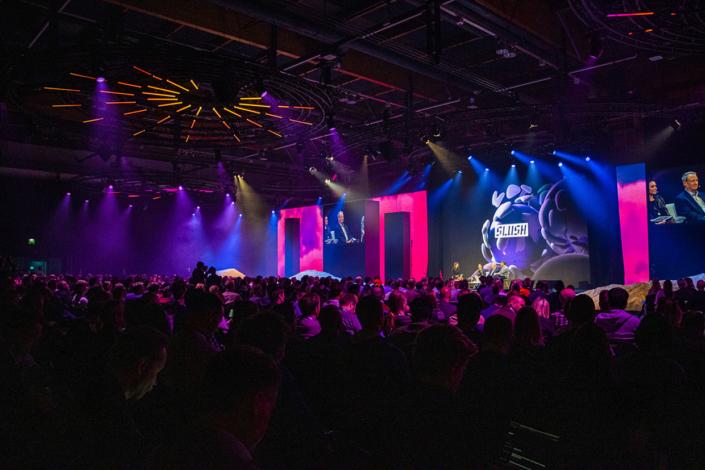 Slush 2019 stage, lights, hundreds of people